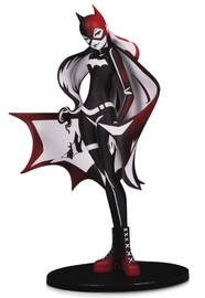 "DC Artist Alley: Batgirl (Sho Murase) - 6.75"" Limited Edition Statue"