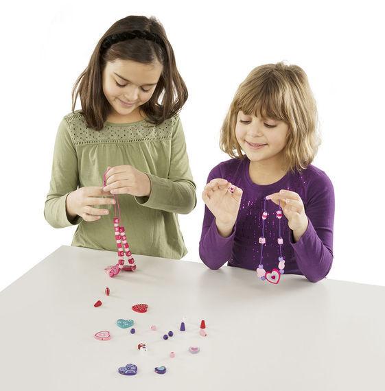Melissa & Doug: Sweet Hearts Wooden Bead Set image