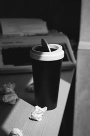 Qualy Micro Desktop Coffee Bin (Black)