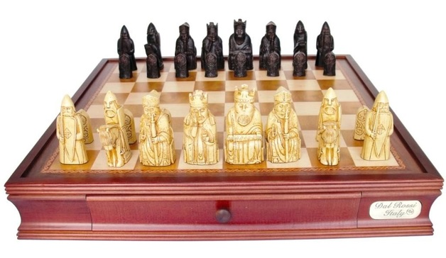 "Dal Rossi: Isle of Lewis - 20"" Chess Set"