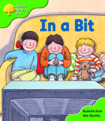 Oxford Reading Tree: Stage 2: First Phonics: in a Bit by Roderick Hunt image