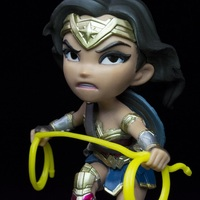Justice League (Movie): Wonder Woman - Q-Fig Figure