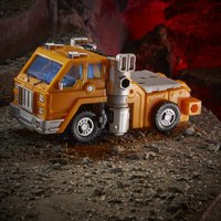 Transformers Generations: War for Cybertron Kingdom - Deluxe Class - Huffer