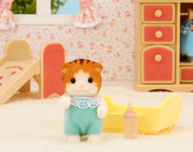Sylvanian Families: Maple Cat Baby