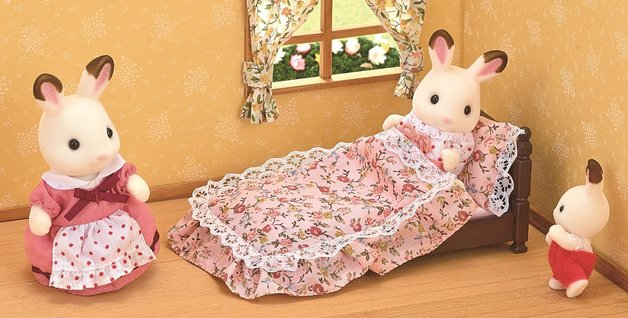 Sylvanian Families: Classic Antique Bed