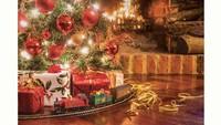 Hornby Santa's Express Christmas Train Set image