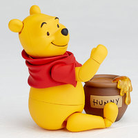 Disney Revoltech: Winnie the Pooh - Articulated Figure
