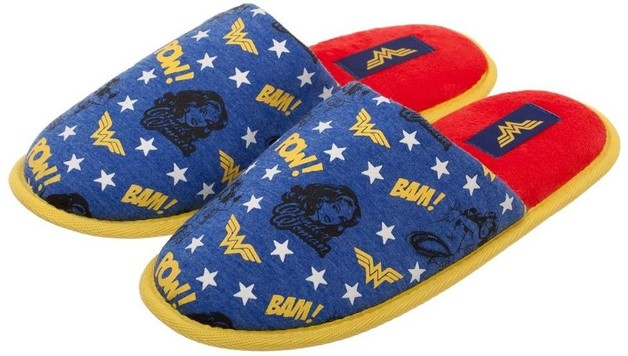 afeaeaefb6da39 Wonder Woman All Over Print - Slide Slippers. DC Comics - (Small)