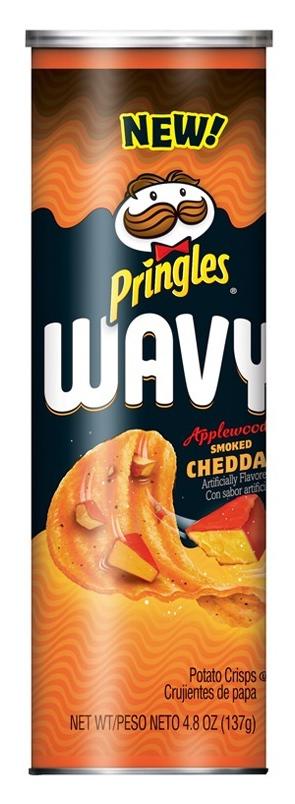 Pringles Wavy - Applewood Smoked Cheddar 137g image