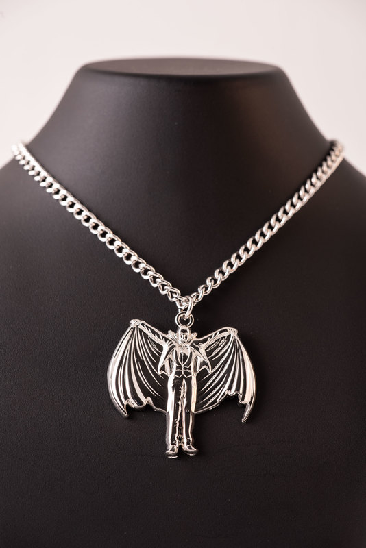 Universal Monsters - Dracula Necklace (Limited Edition)
