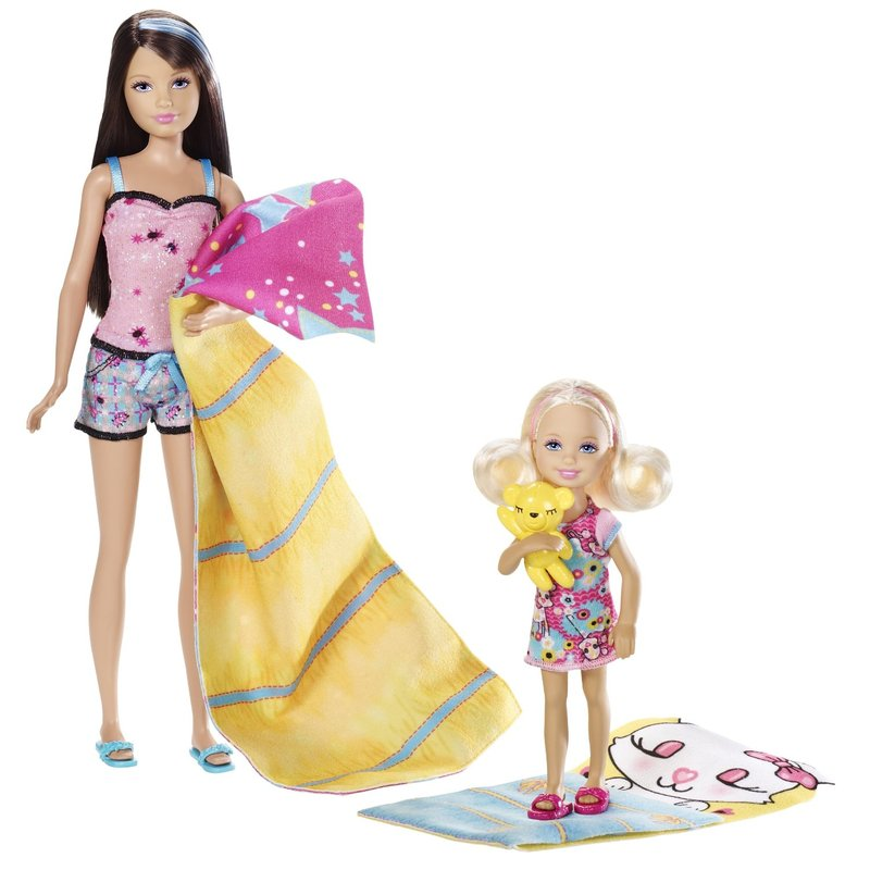 Barbie Sisters Sleep Out - Skipper and Chelsea Dolls 2-Pack image