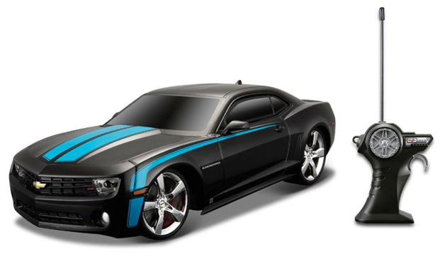 Maisto: Tech: 1:24 RC Vehicle - 2010 Chevrolet Camaro SS RS (Assorted Colours)
