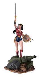 "DC Cover Girls: Wonder Woman - 9"" Deluxe Statue"