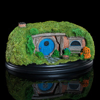 The Hobbit: 26 Gandalf's Cutting - Hobbit Hole Statue