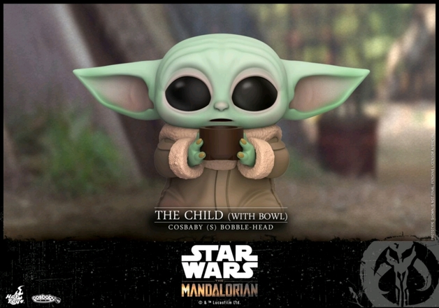 Star Wars: The Mandalorian - The Child (with Bowl) - Cosbaby Figure