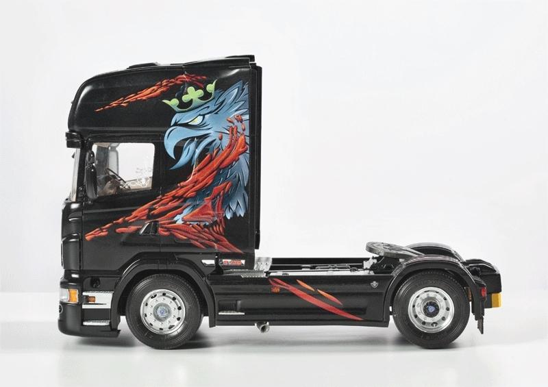 Italeri: 1:24 Scania R730 (The Griffin) - Model Kit