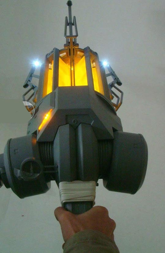 Half-Life 2 Zero-Point Energy Field Manipulator Prop Replica (Gravity Gun) image