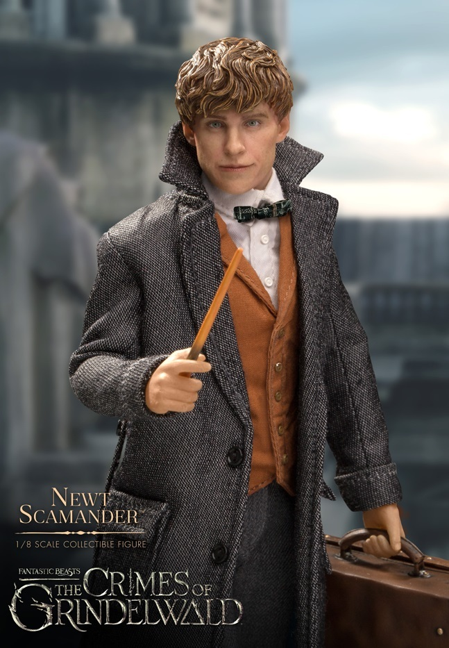 Fantastic Beasts 2: Newt Scamander - 1:8 Scale Articulated Figure image