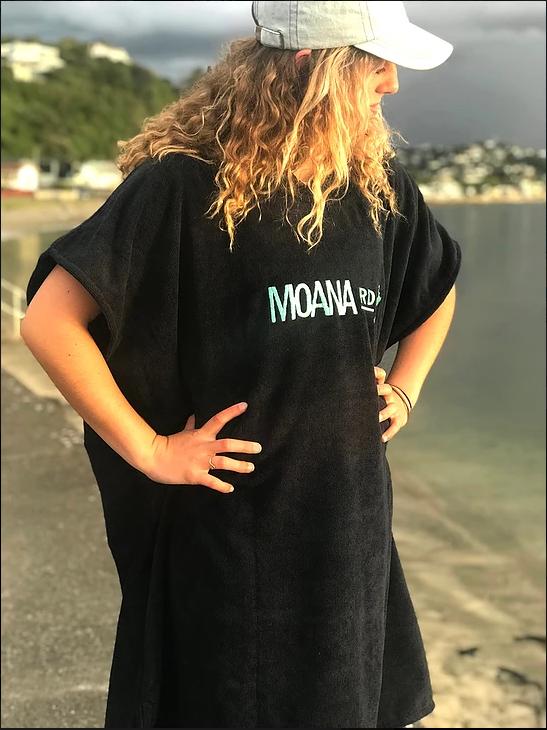 Moana Road: Towel Hoodie - White logo Kids