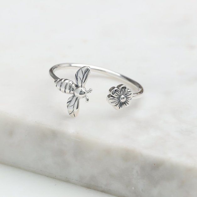 Midsummer Star: Meant to Bee Ring (Size 5)
