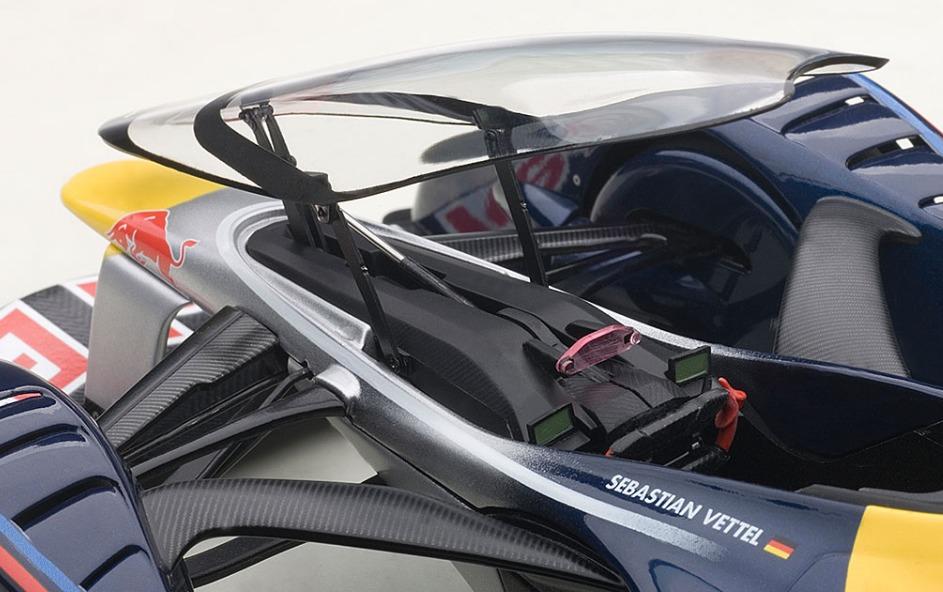 AUTOart: 1/18 Redbull X2014 Fan Car - Diecast Model image