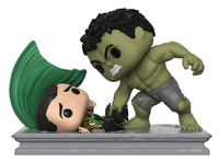 Marvel: Hulk Smashing Loki - Pop! Movie Moment Figure