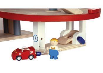 Plan Toys Garage : Plan toys parking garage toy at mighty ape nz