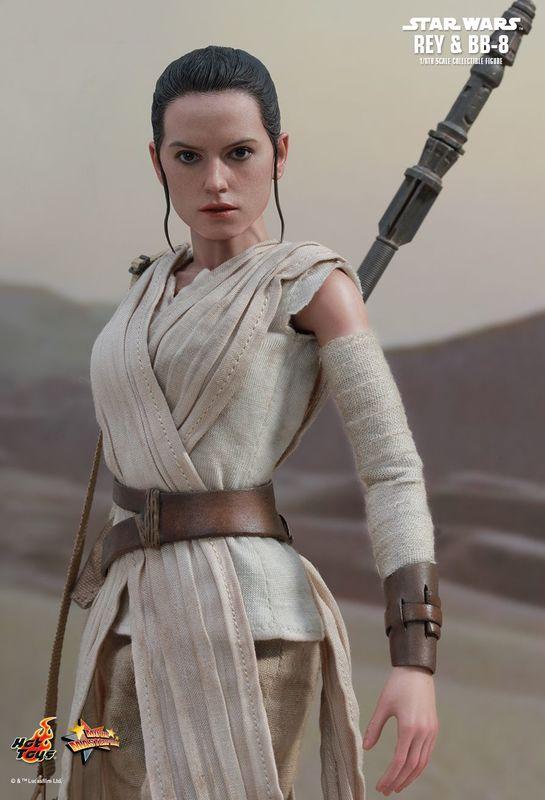 """Star Wars: The Force Awakens - 12"""" Rey (Jakku) Figure"""