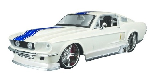 Maisto Design: 1:25 Diecast Vehicle - 1967 Ford Mustang GT