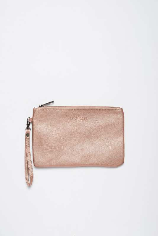 Stilen: Darby rose clutch
