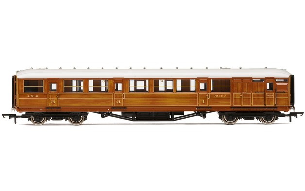 "Hornby: LNER, 61' 6"" Gresley Corridor Composite Brake, 32557"