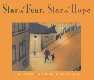 Star of Fear, Star of Hope by Jo Hoestlandt image