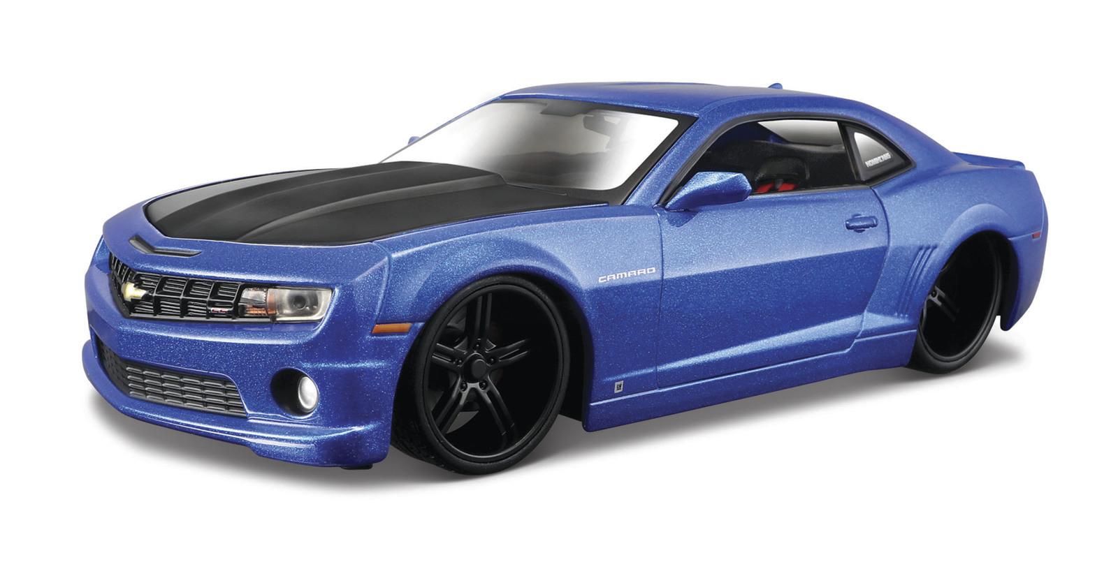 Maisto Design: 1:24 Diecast Vehicle - 2010 Chevrolet Camaro SS RS Blue With Black Hood image