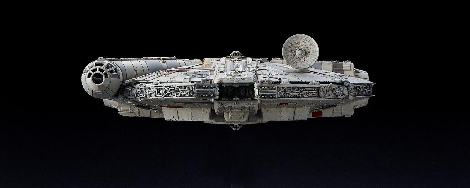 1/144 Millennium Falcon- Model Kit image