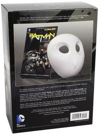 Batman: The Court of Owls Mask and Book Box Set (the New 52) by Scott Snyder image