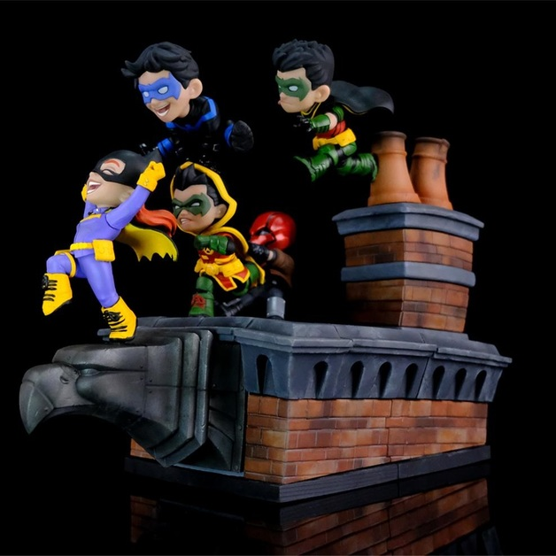 """Batman: Gotham Rooftop - 11"""" Q-Fig Figure"""
