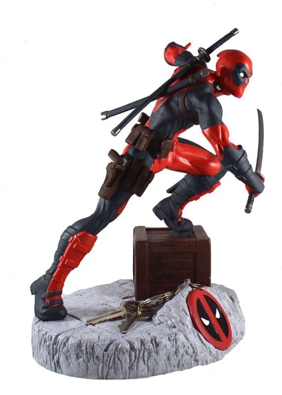 "Marvel: Deadpool - 11"" Finders Keypers Statue"