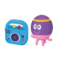 Hey Duggee: Collectible Figurine Duo Pack - Betty & Boombox Badge
