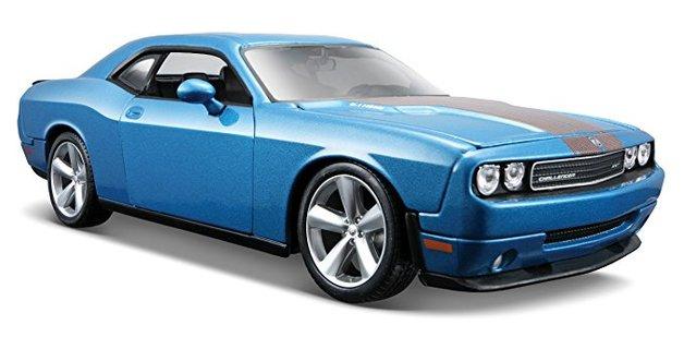 Maisto Special Edition: 1:24 Die-cast Vehicle - Dodge Challenger SRT 8