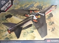 Academy 1/72 F-8p Crusader French Navy Sp - Scale Model