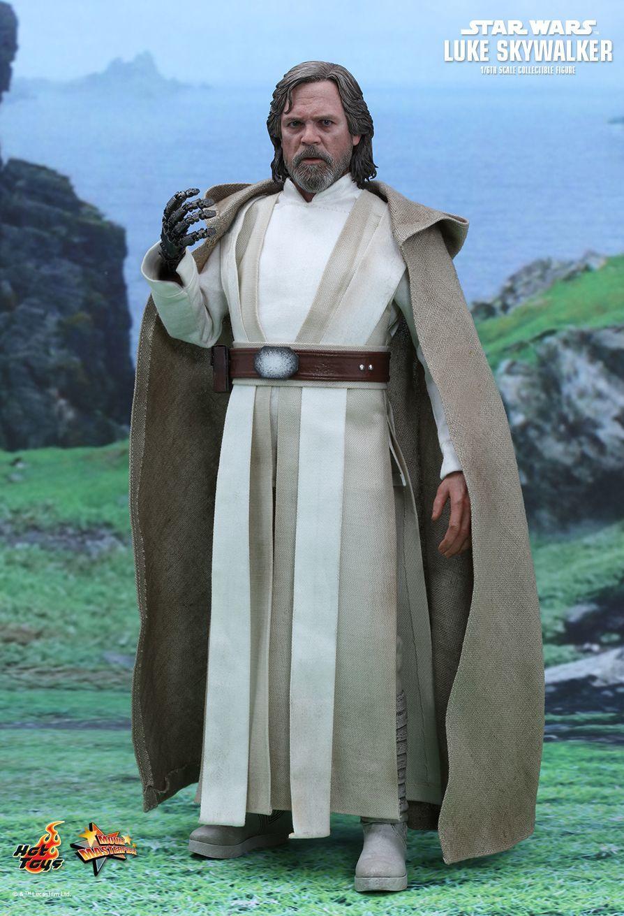 "Star Wars: The Force Awakens - Luke Skywalker 12"" Figure image"