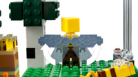 LEGO Minecraft: The Bee Farm (21165)
