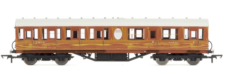 Hornby: LNER Thompson Non-corridor (Lavatory) Composite Coach, Teak image