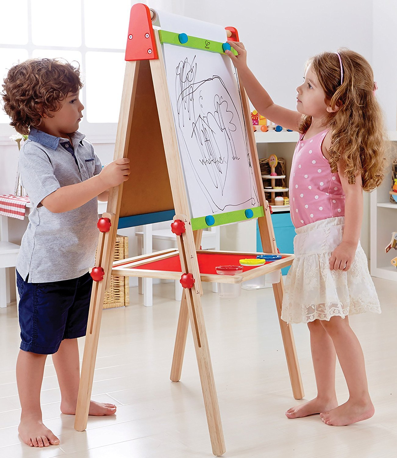 Hape: All-in-One Easel image