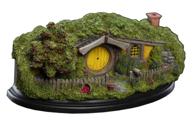 The Hobbit: 13 Apple Orchard - Hobbit Hole Statue