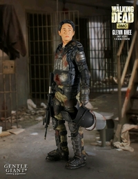 The Walking Dead: Glenn in Riot Gear - 1:4 Scale Statue