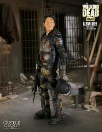 The Walking Dead: Glenn in Riot Gear - 1:4 Scale Statue