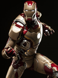 Marvel: Iron Man Mark 42 - 1/4 Scale Maquette