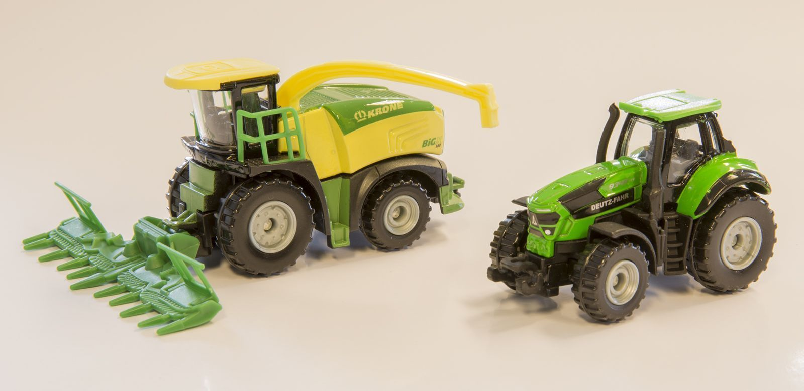 Majorette: Farm Playset - (Harvester & Tractor) image