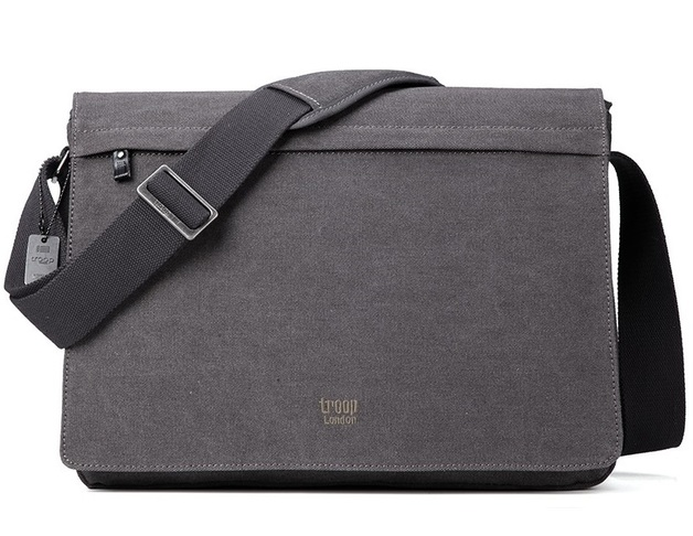 Troop London: Classic Flap-Front Messenger Large - Black